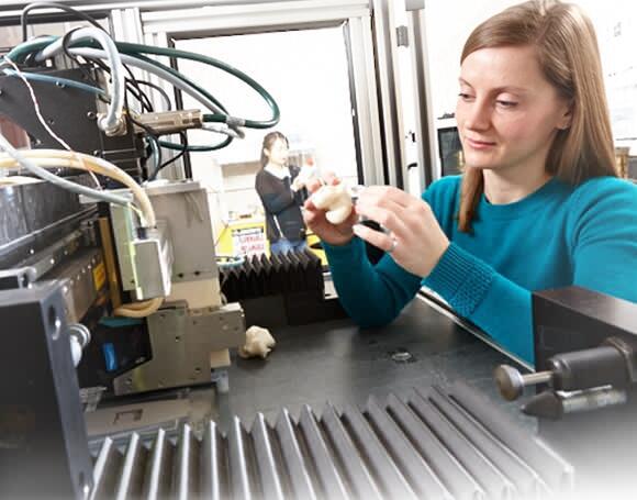 科学家开发出与人骨成分相似的可3D打印材料2